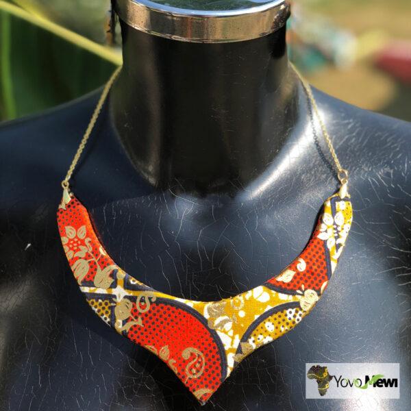 Parure  collier+boucle d'oreilles en tissu  wax 12
