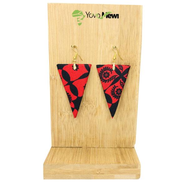 Boucle d'oreille triangle en tissu wax rouge  n.9